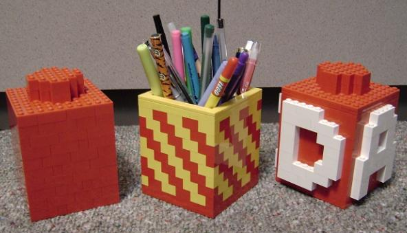 Crafty LEGO pencil holder - Looks good on the work desk too