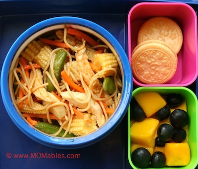 chow mien chicken organic cookies fruit