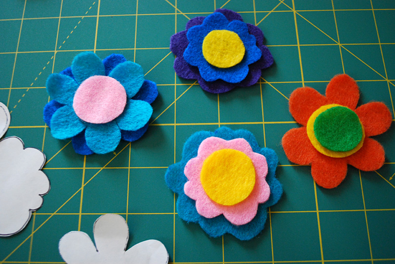 easy felt craft for toddlers